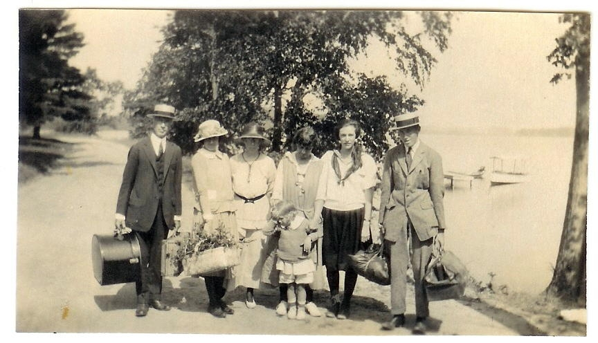 Glenn Gardner, Margie, Stella, Antoinette w Betty, Arthur, Chatherine,Glen Jr